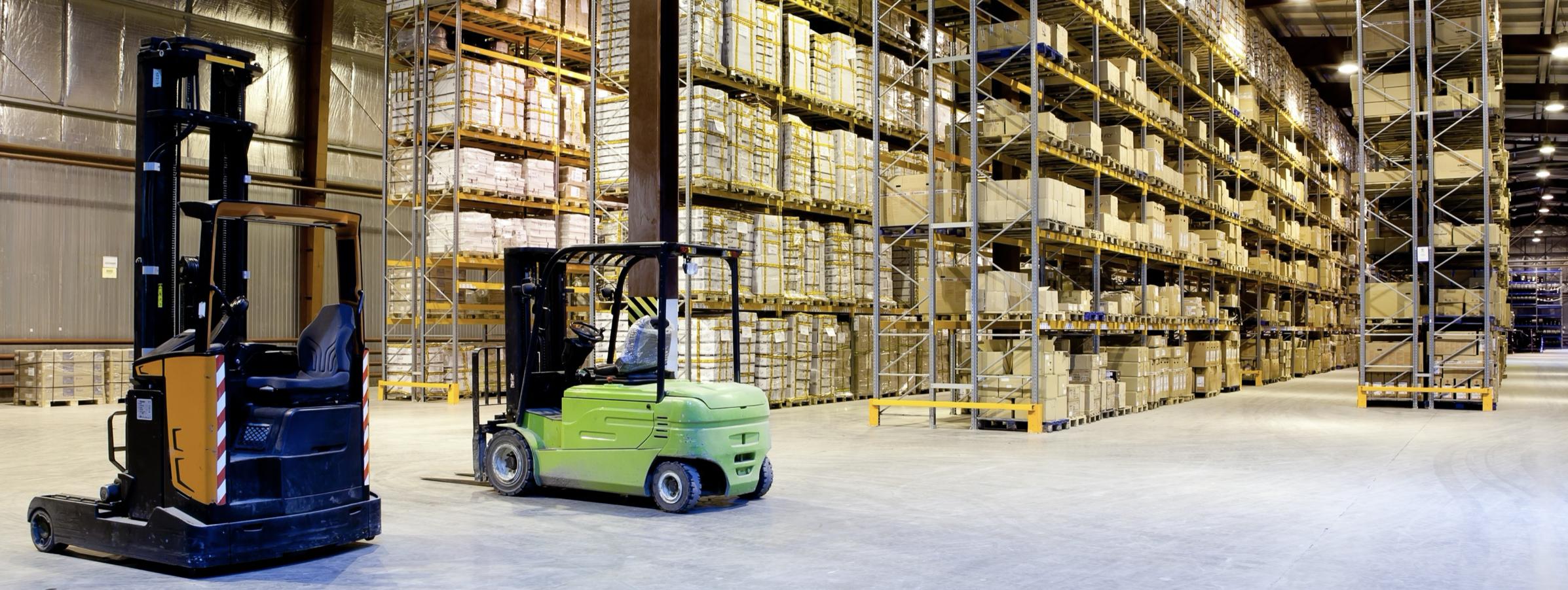Reduct_Case_Study6_Forklift_Green_Orange_Stockroom